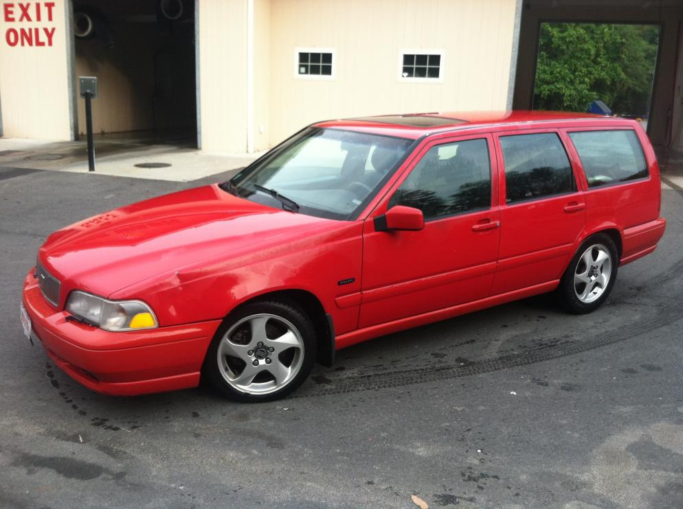 1998 Volvo V70 T5 For Sale For Parts Or Repair Runs And
