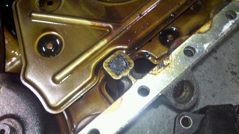 Oil cap leak - Volvo Forums - Volvo Enthusiast Forum - Volvo Community - Volvo Repair
