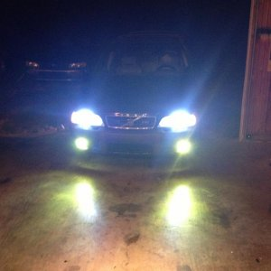 New HID for my baby. 6k low beam 3k fog.