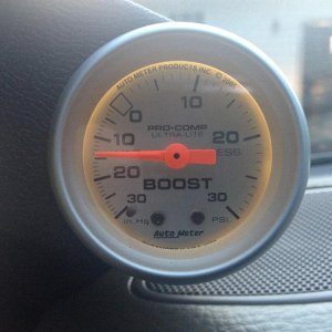 Added a boost gauge from autometer.